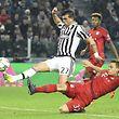 Soll aus Sicht der Bayern nicht wieder passieren: Stefano Sturaro (l.) krönt Juventus' Comeback.