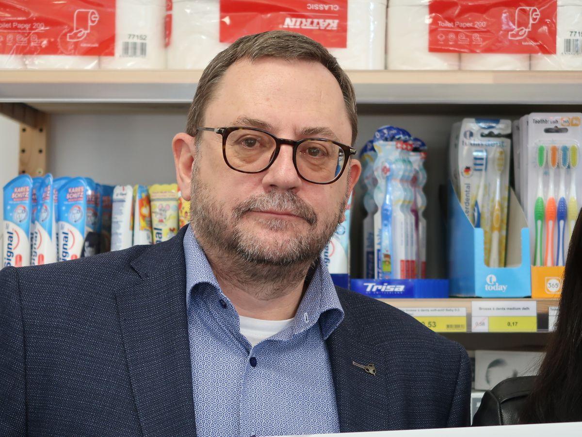 Près de 12.500 personnes ont le droit d'accéder à une des 16 épiceries sociales du Luxembourg. Mais «beaucoup de gens ne trouvent pas le chemin vers un officiel social et cherchent un autre moyen pour joindre les deux bouts, sait Fabien Schmit.»