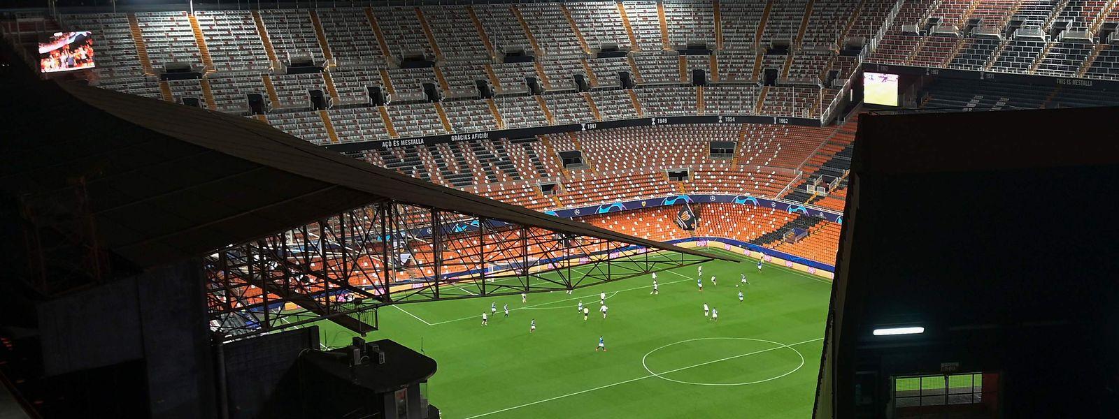 Image incroyable du stade de Valence en pleine rencontre d'UEFA Champions League mardi soir.