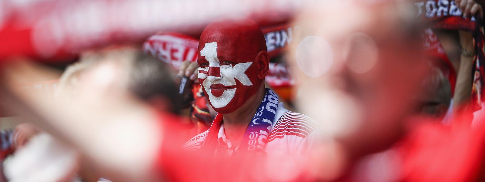 Die Fans des 1. FC Kaiserslautern freuen sich auf das Spiel gegen den Lokalrivalen.