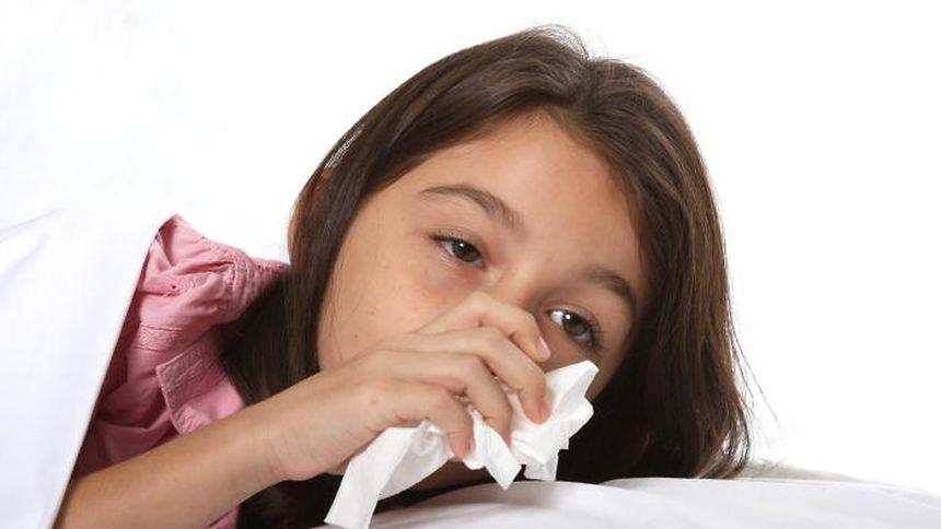 Mit dem Beginn der kalten Tage rollt meist auch die Grippewelle an. Deswegen empfiehlt das Gesundheitsministerium vorsorgliche Grippeimpfungen.