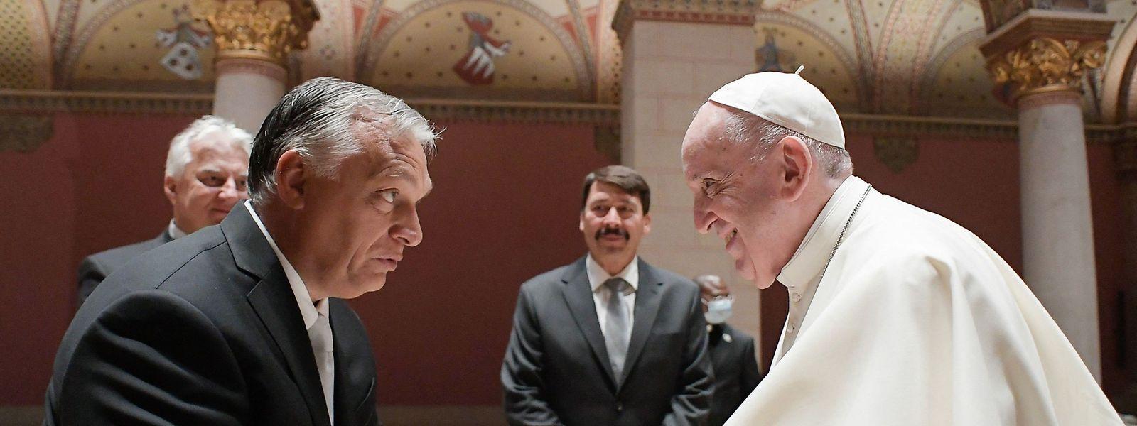 Kein Besuch unter engen Freunden: Viktor Orbán und Papst Franziskus begegnen sich in Budapest.