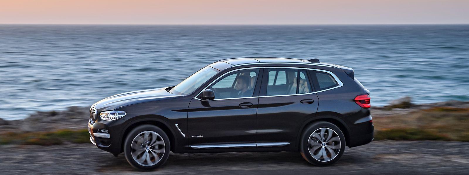 Der neue BMW X3 streckt sich auf rund 4,71 Meter und ist damit gut vier Zentimeter länger als der erste X5.