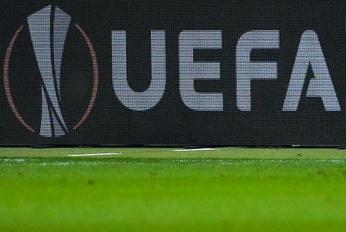 UEFA rät Verbänden von Abbruch ab
