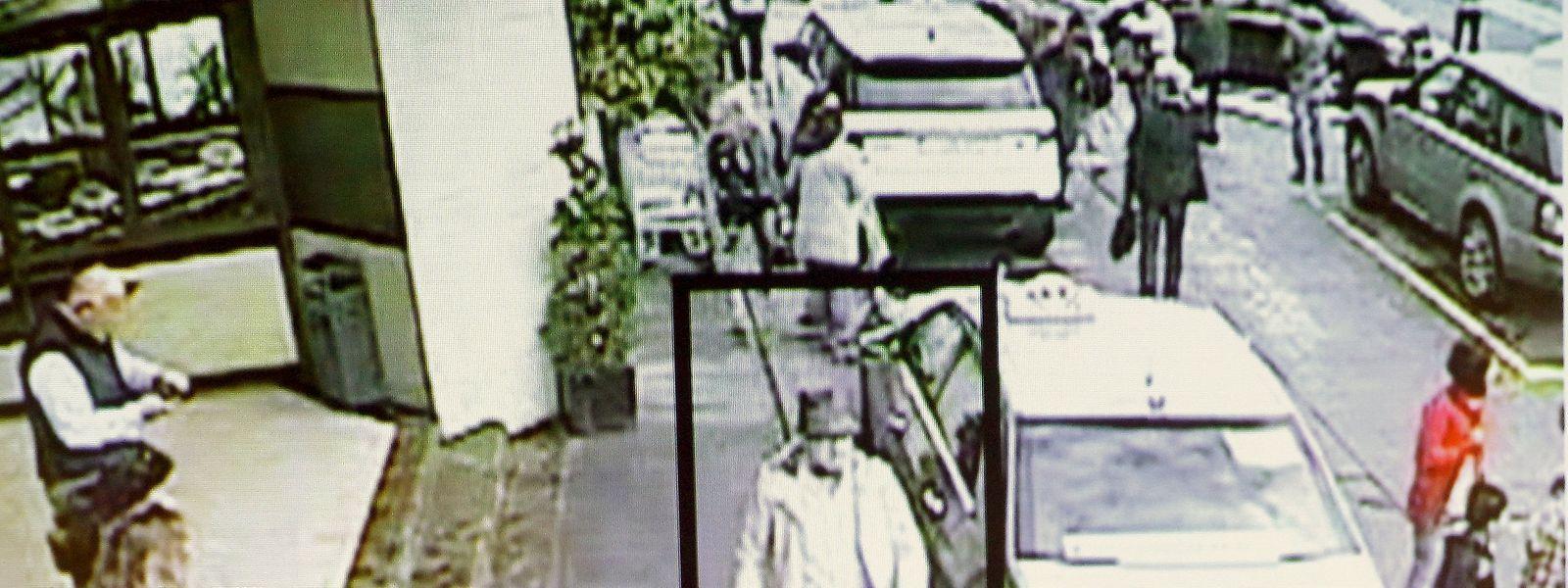 """Der """"Mann mit Hut"""" wurde am Tag der Brüsseler Anschläge von Überwachungskameras gefilmt. Seine Jacke hat er laut Staatsanwaltschaft in einen Mülleimer geworfen, den Hut verkauft."""