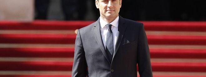 Franca Emmanuel Macron Tomou Posse E Tornou Se No Mais Jovem Presidente