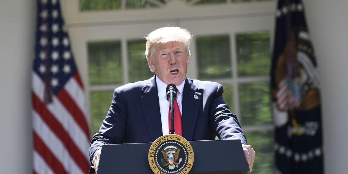 O Presidente norte-americano Donald Trump durante o anúncio da decisão dos Estados Unidos de sair do Acordo de Paris.