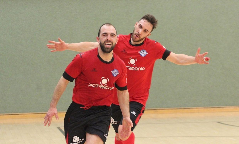 A alegria de Abílio e Figo após mais um golo da US Esch Futsal