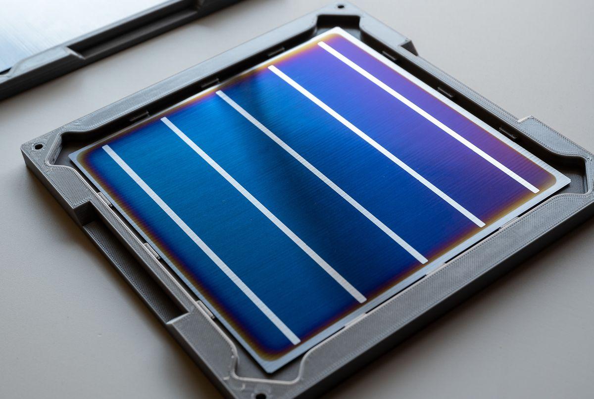 Dans des conditions de laboratoire, il est déjà possible de produire les panneaux solaires avec la technologie Maana.