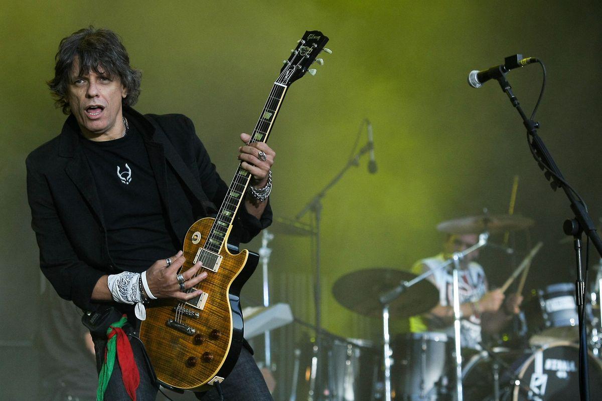 Foto de arquivo de 27 maio 2010 do guitarrista Zé Pedro, da Banda Xutos & Pontapés que morreu hoje aos 61 anos, 30 novembro 2017. MIGUEL A. LOPES/LUSA
