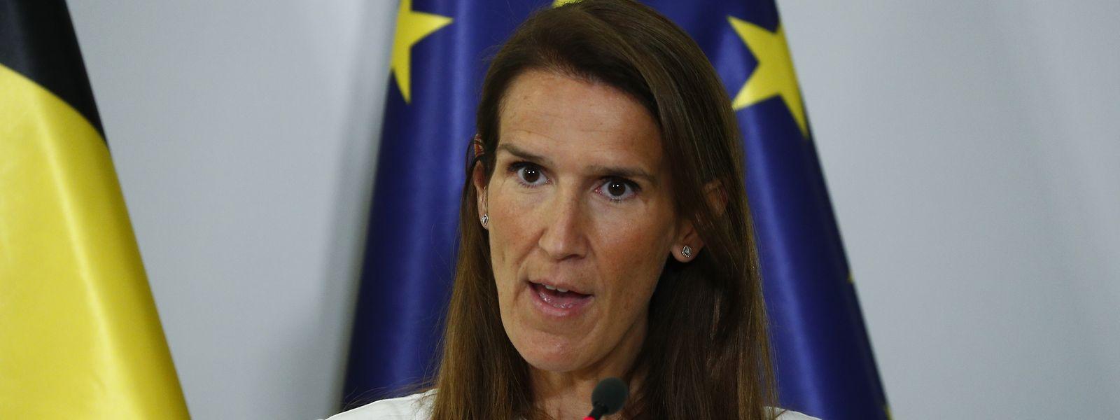 Sophie Wilmès et son gouvernement resteront en place jusqu'à la fin du mois de septembre. Une décision qui suscite l'irritation au sein de l'opposition.