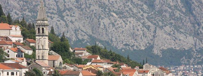 Das kleine Land im Balkan ist bei Touristen wegen der malerischen Bucht von Kotor bekannt.