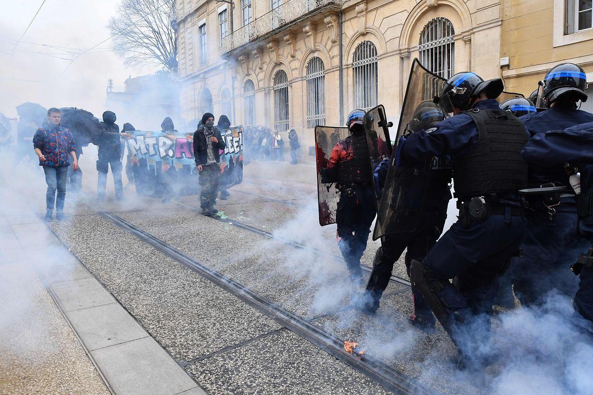 In Montpellier kam es zu Auseinandersetzungen zwischen Aktivisten der ultra-linken Szene und der Polizei.