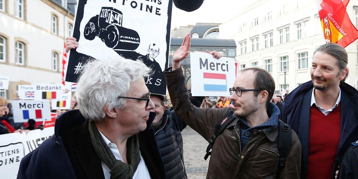 Rassemblement de soutien et de solidarité avec les inculpés Edouard Perrin, Raphaël Halet et Antoine Deltour, Luxleaks, Luxembourg, le 12 Decembre 2016. Photo: Chris Karaba