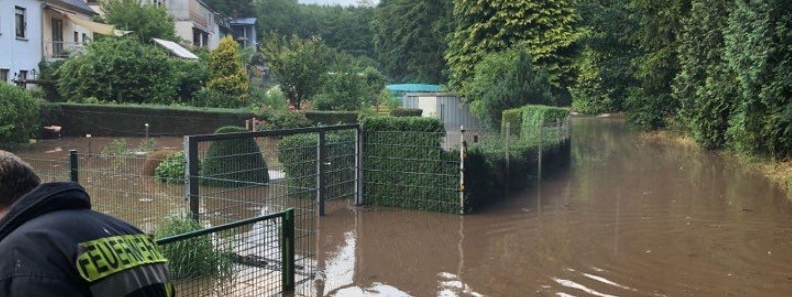 Der Stadtteil Olewig stand nach Starkregen und Hagel am Donnerstag teilweise unter Wasser.