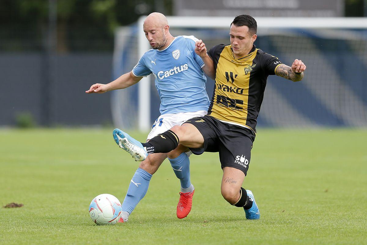 Mayron de Almeida (à dr., en jaune) et le Progrès ont buté sur le Racing de Jonathan Hennetier (à dr.), dimanche au stade Achille Hammerel (1-1)
