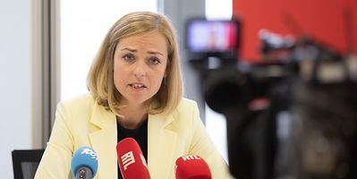 City politicians have called on Taina Bofferding, the Minister for Home Affairs, to intervene in the row