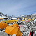 """China vai instalar """"linha de demarcação"""" no cume do Evereste por causa da pandemia"""