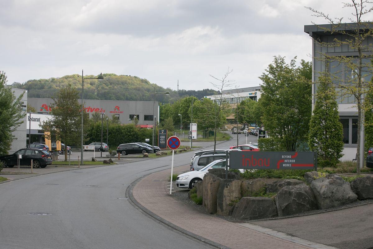 Dans le zone d'activité Munsbach à Schuttrange, la Stëmm pourrait transformer et louer une partie du hall industriel qui abrite Auchan drive.
