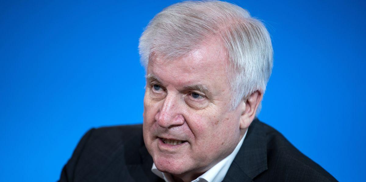 Bitte draußen bleiben: Deutschlands Innenminister Horst Seehofer (CSU) hält an den verschärften Kontrollmaßnahmen an den Binnengrenzen vorerst fest.