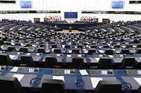 Drei Amtsinhaber kämpfen um ihre Wiederwahl ins Europa-Parlament. Drei der sechs Sitze sind neu zu vergeben. Das Rennen ist spannend.