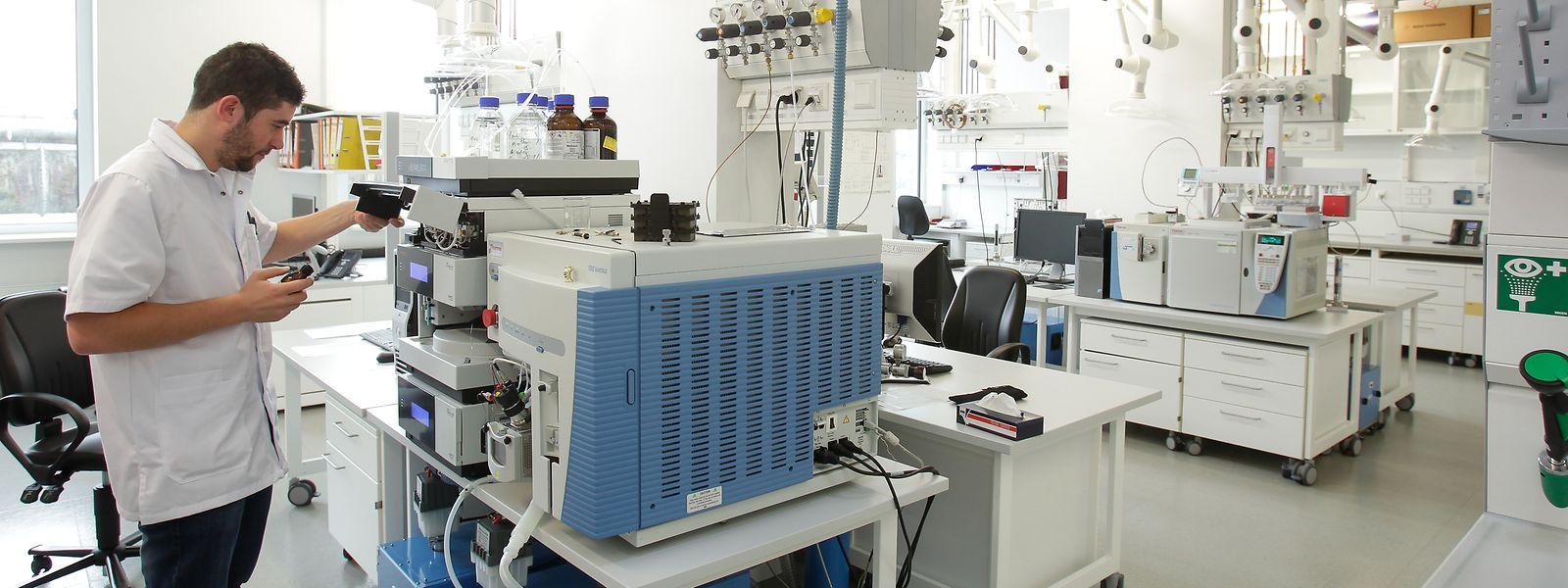 Dans ses laboratoires d'Esch, l'Administration de la gestion de l'eau peut retracer la nature et l'origine des pollutions.