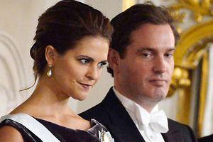 21 Böllerschusse zum Salut:Prinzessin Madeleine und Chris O'Neill heiraten.