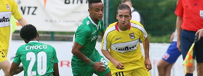 Dudelange - Ludogorets Razgrad, avec Yassine Benajiba (en jaune) au ballon: c'était en 2014. On pourrait retrouver la même affiche cinq ans plus tard.