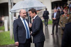 Visite d'État au Luxembourg du président de la Roumanie, Klaus Iohannis, Monument national de la solidarité, Etienne Schneider, Xavier Bettel, Foto Lex Kleren