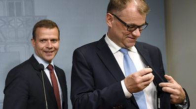 Finnish National Coalition chairman Petteri Orpo (L) and Prime Minister Juha Sipilä.