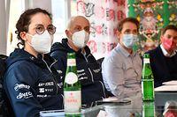 Claire Faber, Claude Losch, Andy Schleck und Tom Rasqué - Pressekonferenz Team Andy Schleck-CP NVST-Immo Losch - Foto: Serge Waldbillig