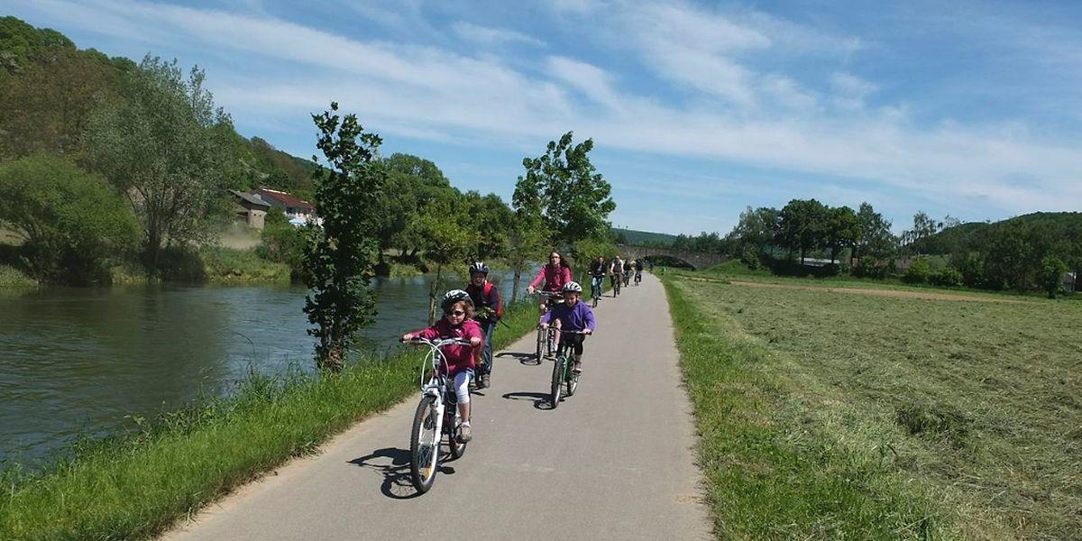 Immer der Sauer entlang: Die Radpiste zwischen Ettelbrück, Echternach und Wasserbillig zählt mit Sicherheit zu den schönsten des Landes. Das flache Gelände macht sie auch für Familien mit Kindern interessant.