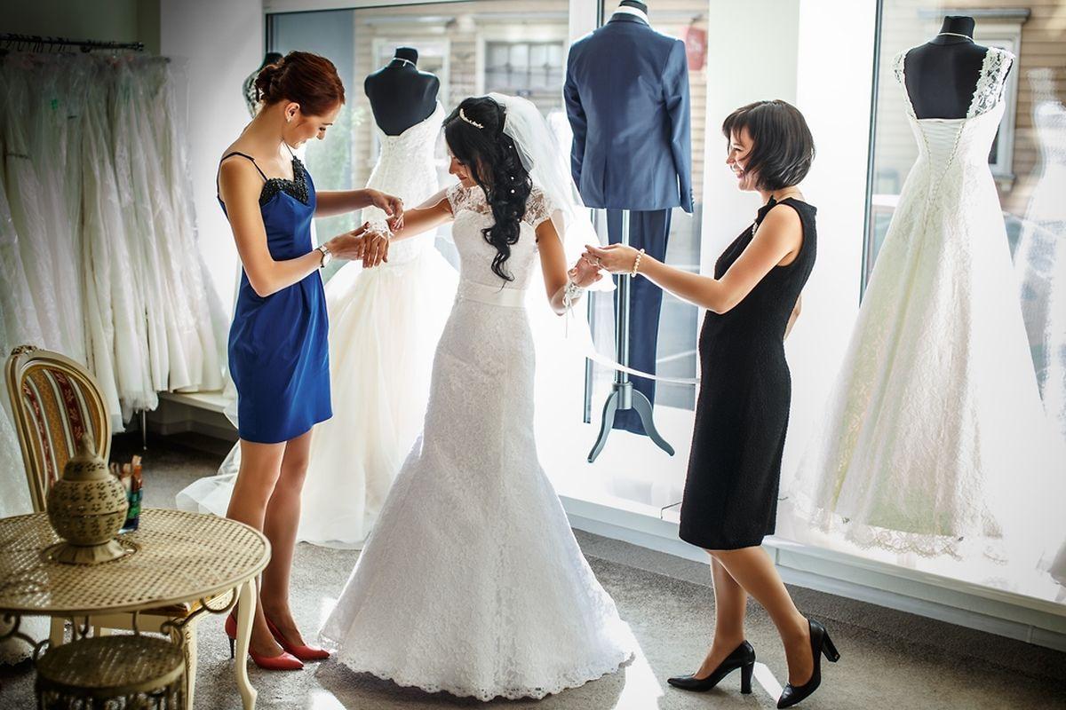 Charlotte était gérante d'un showroom de mariage.