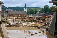15.07.2021, Rheinland-Pfalz, Schuld: Blick in den Ort im Kreis Ahrweiler am Tag nach dem Unwetter mit Hochwasser. Mindestens sechs Häuser wurden durch die Fluten zerstört. Foto: Thomas Frey/dpa +++ dpa-Bildfunk +++