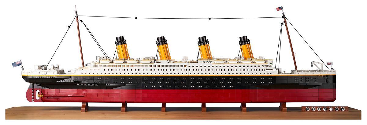 Das fertige Modell hat eine Gesamtlänge von 135 Zentimetern und eine Höhe von 44 Zentimetern.