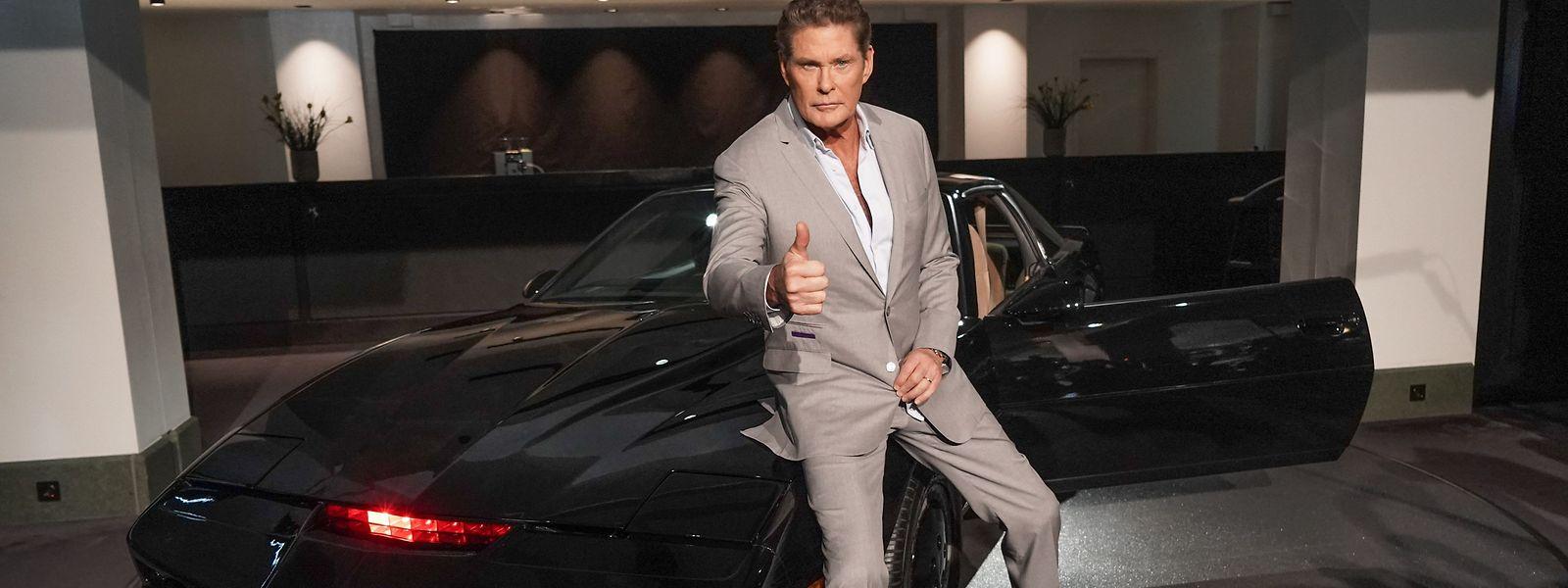 US-Sänger und Schauspieler David Hasselhoff bietet bei einer Auktion neben Dutzenden Requisiten unter anderem sein eigenes Modell des Kultautos an.