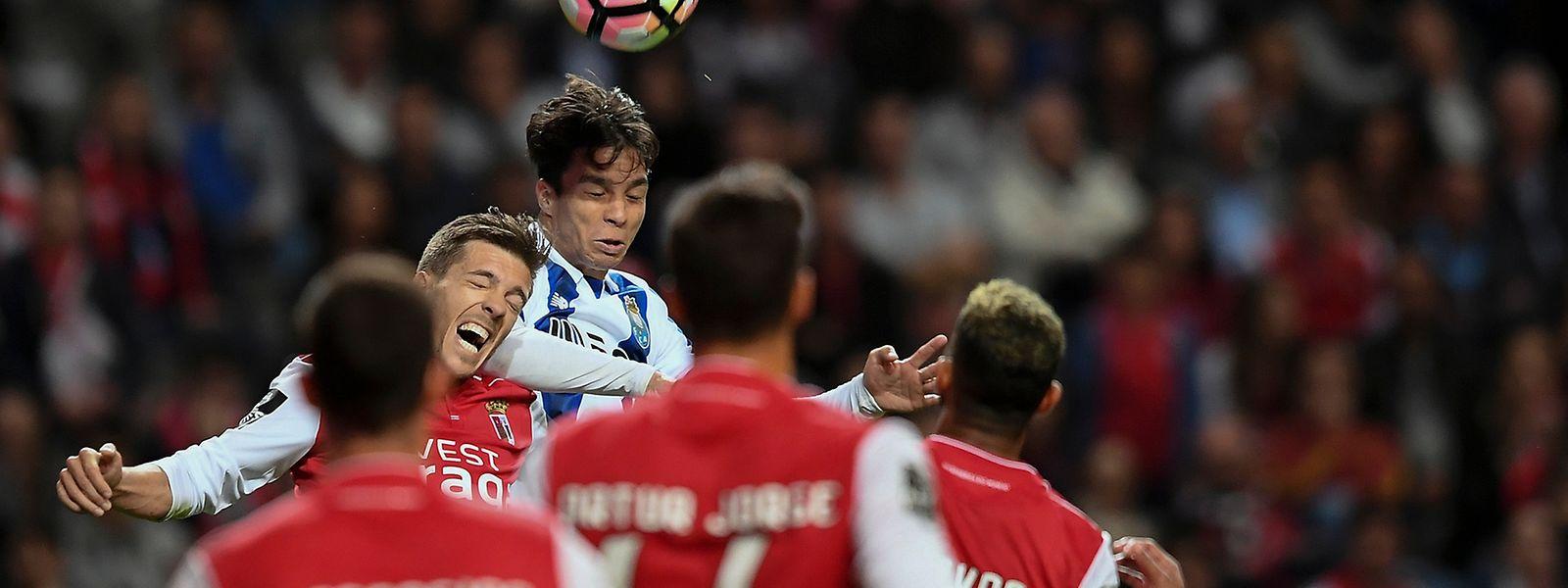 Com este empate, o FC Porto fica a cinco pontos do SL Benfica