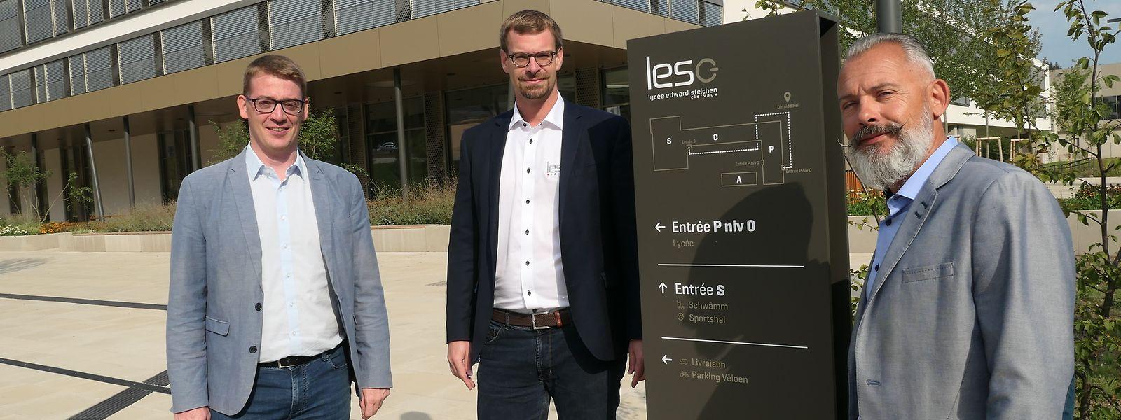 Direktor Jean Billa (r.) und seine beigeordneten Direktorn Max Wolff (1.v.l.) und Claude Huss (2.v.l.) wollen das LESC in den kommenden Jahren nicht nur geografisch an der Spitze der Luxemburger Schullandschaft verankern.
