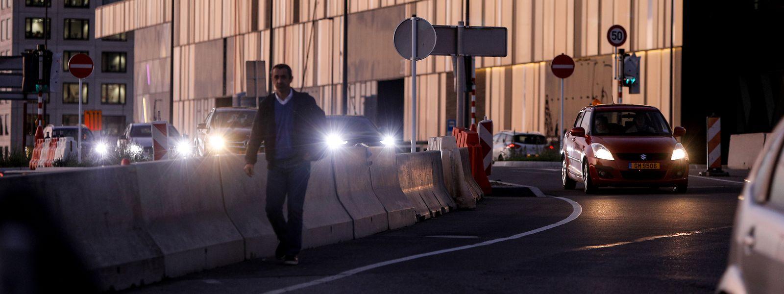 A la nuit tombée, le personnel de la Cloche d'Or qui regagne le Park & Ride de Howald prend encore davantage de risques.