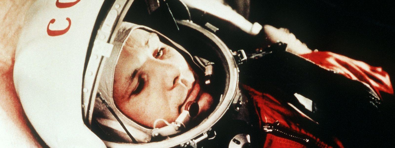 Das Archivbild vom April 1961 zeigt den sowjetischen Kosmonauten Juri Gagarin in seinem Raumanzug kurz vor seinem Start zum ersten bemannten Weltraumflug vom Weltraumbahnhofs Baikonur.