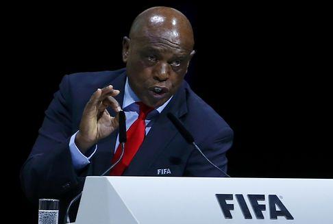 Fifa-Präsidentschaftswahlen: Sexwale zieht zurück