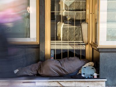 """Obdachlose und Bettelei aus Not sollte man nicht mit den organisierten Banden verwechseln, die sich als """"Bettler"""" ausgeben und am Abend ihren """"Chefs"""" das erarbeitete Geld abliefern."""