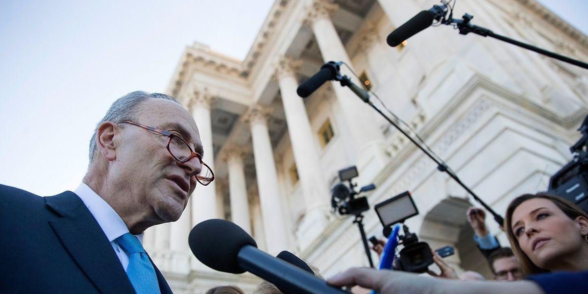 Chuck Schumer, leader des sénateurs démocrates: «Ce sera appelé le Trumpshutdown car personne, personne ne mérite autant que le président Trump d'être jugé responsable de la situation dans laquelle nous nous trouvons».