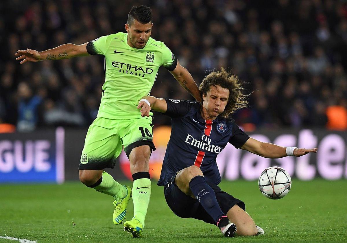 Sergio Aguero a été jugé apte par le staff médical de City alors que David Luiz sera suspendu.