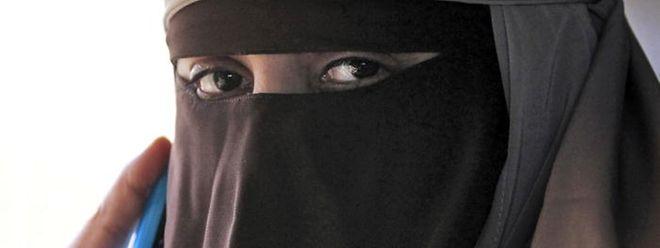 Eine deutliche Mehrheit der Befragten wünscht sich in der Burka-Frage eine klare rechtlichte Lage.