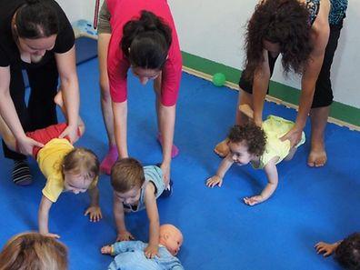 O programa (KindyROO) de aprendizagem e desenvolvimento para bebés e crianças tem lugar na Clinique Bohler