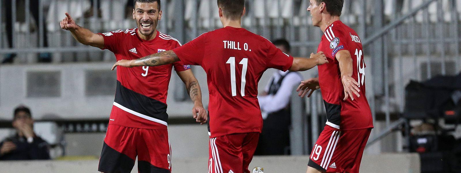 Torschütze Daniel da Mota (l.) bejubelte seinen Treffer mit Olivier Thill und Mathias Jänisch (r.).