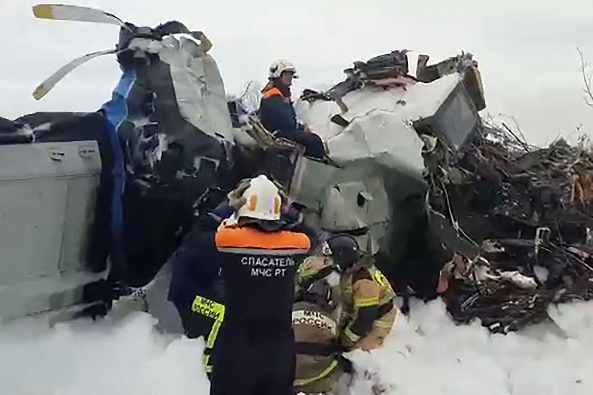 Als Absturzursache wurde eine Überladung des Flugzeugs oder technisches Versagen vermutet.