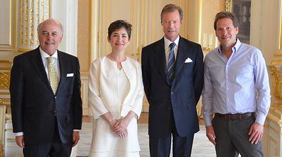 Großherzog Henri umgeben (v.l.n.r.) von Nobert Becker, Verwaltungsratspräsident von Paypal Europe, Jennie Schulman-Kassanoff und Paypal-CEO Dan Schulmann