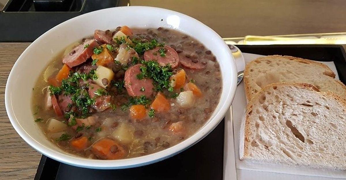 Lentil and smoked sausage soup Photo: Beim Renert
